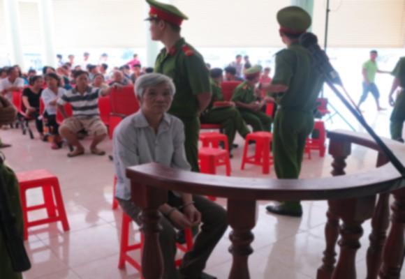 Bị cáo Nguyễn Ảnh Cư tại phiên xử lưu động
