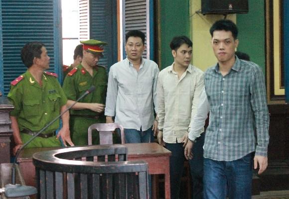 Các bị cáo sau phiên tòa sơ thẩm