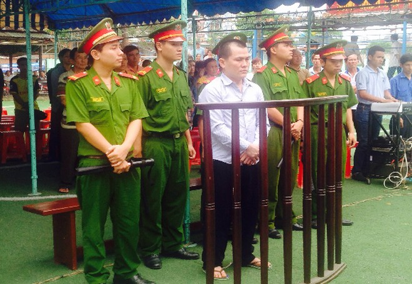Bị cáo Trương Viết Ký tại phiên tòa lưu động