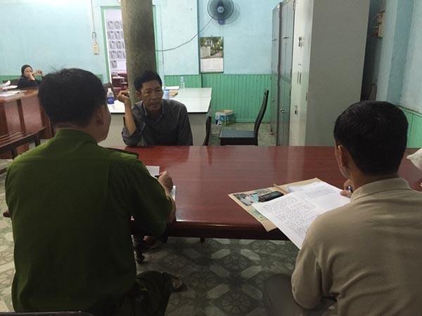 Nghi phạm Phan Văn Liêu khai báo tại cơ quan công an