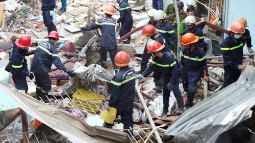Cơ quan chức năng thu 500kg hóa chất còn tồn tại hiện trường vụ nổ