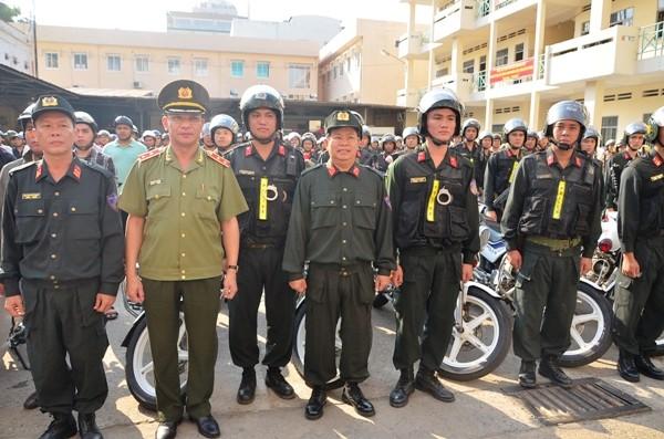 Trung tướng Lê Đông Phong với lực lượng CSCĐ