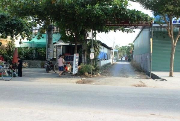 Hiện trường đầu con hẻm, nơi xảy ra vụ truy sát kinh hoàng