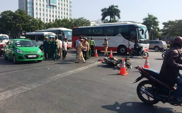 Lực lượng chức năng phong tỏa, điều tra nguyên nhân vụ tai nạn