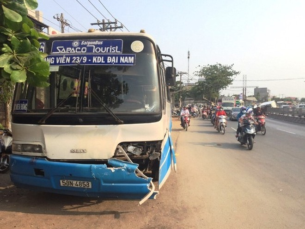 Chiếc xe buýt trong vụ tai nạn