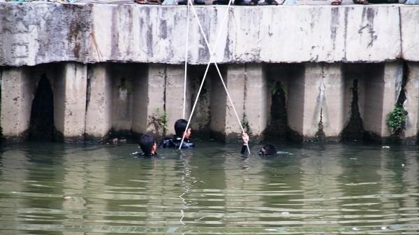 Lực lượng cứu hộ - cứu nạn đang triển khai nhiệm vụ