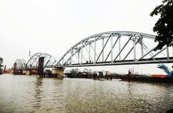 Chính thức thông tàu qua cầu Ghềnh sau 3 tháng gián đoạn