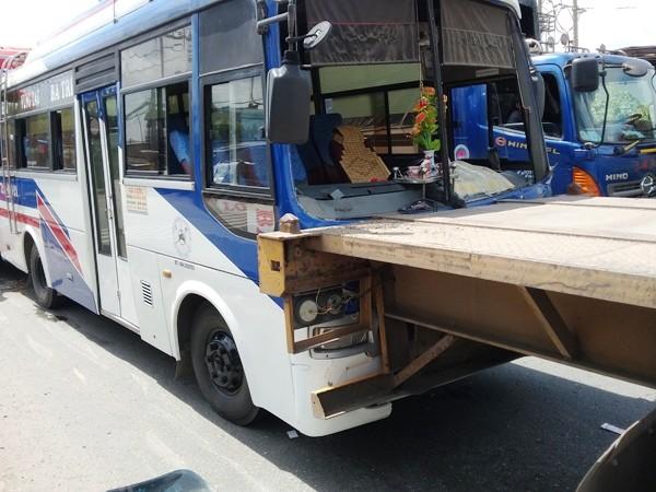 3 ô tô tông liên hoàn, nhiều hành khách thót tim ảnh 1