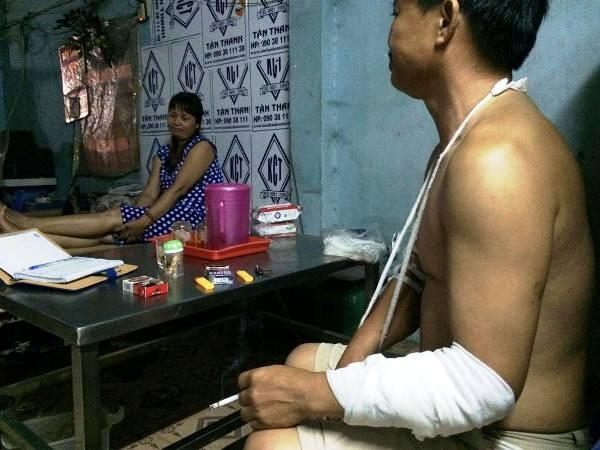 Vợ chồng ông Đức - bà Dung kể lại việc bị con nghiện vào tận nhà truy sát