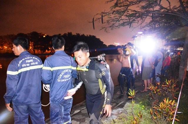Lực lượng cứu nạn - cứu hộ xuyên đêm tìm người mất tích