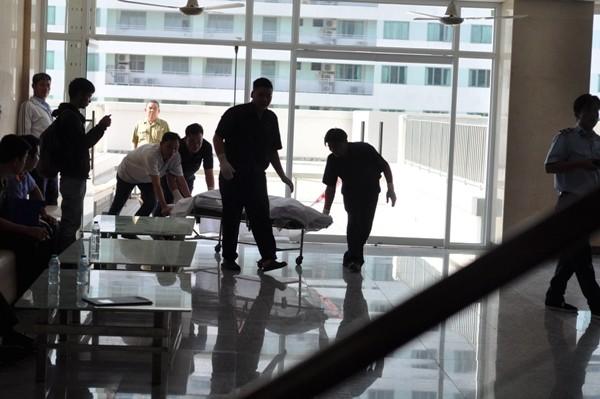 Hiện trường phát hiện cụ ông 74 tuổi rơi lầu, tử vong