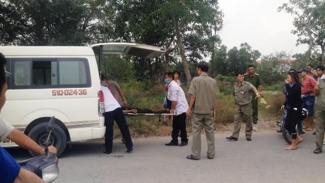 Thi thể nạn nhân được đưa về nhà xác để khám nghiệm