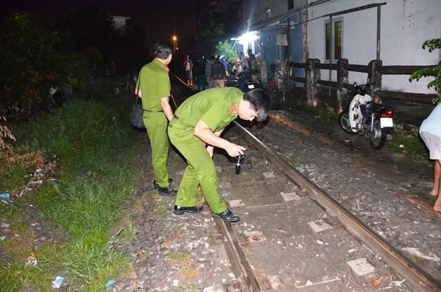Người đàn ông ngồi trên đường ray bị tàu hỏa tông tử vong ảnh 2