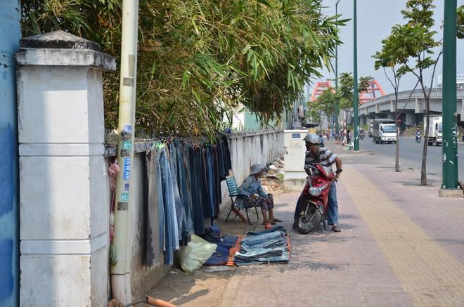 """Nắng nóng như """"lò bát quái"""" ở TP. Hồ Chí Minh"""