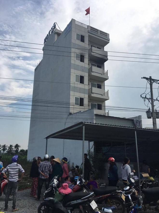 Khách sạn 5 tầng xảy ra cháy