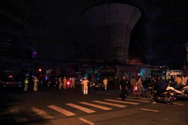 Cháy cực lớn khu nhà kho trong cảng Sài Gòn ảnh 3