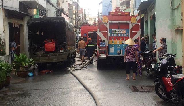 Lực lượng PCCC đáp tắt đám cháy