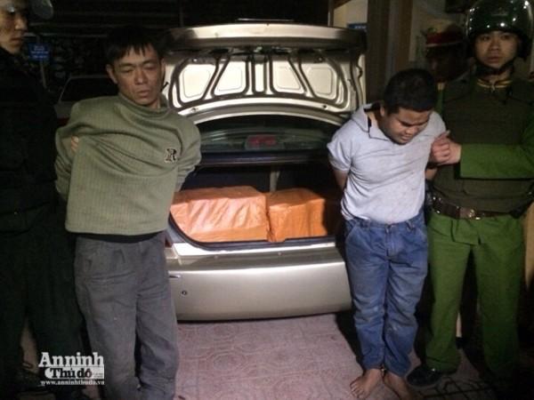 Công an tỉnh Thái Nguyên bắt 2 đối tượng sử dụng ô tô vận chuyển trái phép ma túy