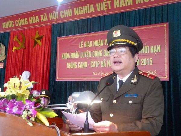 Thiếu tướng Lưu Quang Hợi – Phó Bí thư Đảng ủy, Phó Giám đốc CATP, Chủ tịch Hội đồng tuyển chọn công dân phục vụ có thời hạn trong CAND – CATP Hà Nội phát biểu chỉ đạo