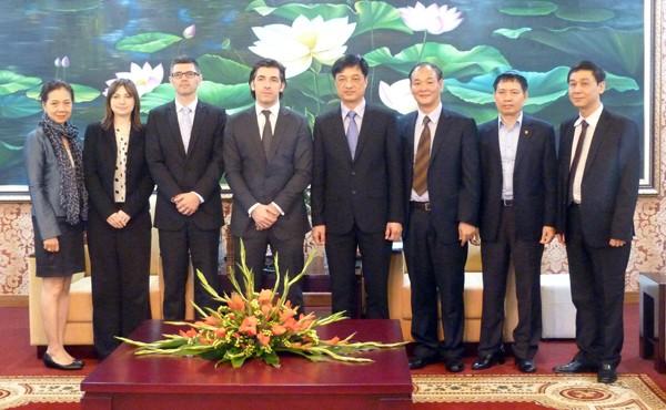 CATP Hà Nội làm việc với cơ quan Hải quan và Thuế vụ Hoàng gia Anh ảnh 3