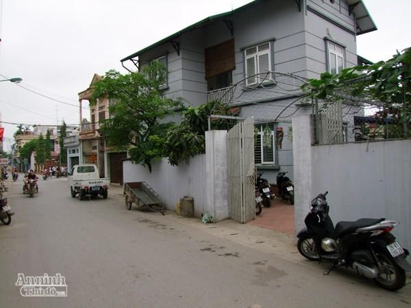 Trần Quốc Trung và đồng phạm bị bắt quả tang khi mua bán ma túy tại nhà riêng