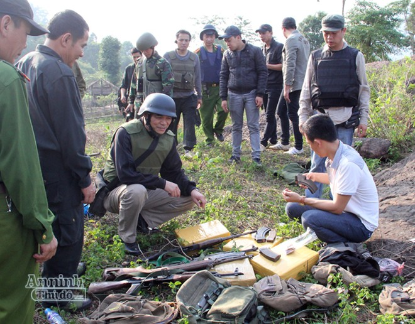 Lực lượng chức năng thu giữ 160 bánh heroin và 4 khẩu súng