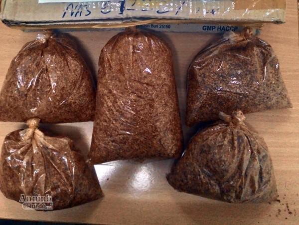 5 gói Methamphetamine trong bưu kiện gửi xe khách
