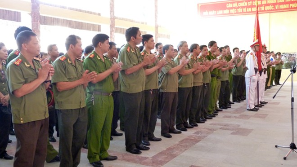 Gần 270 VĐV tham gia Giải bắn súng ngắn quân dụng Báo An ninh Thủ đô năm 2015 ảnh 2