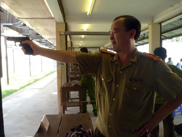 Gần 270 VĐV tham gia Giải bắn súng ngắn quân dụng Báo An ninh Thủ đô năm 2015 ảnh 4