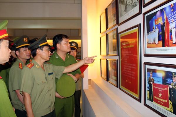 CBCS CAQ Hà Đông tìm hiểu lịch sử phát triển của lực lượng CAND
