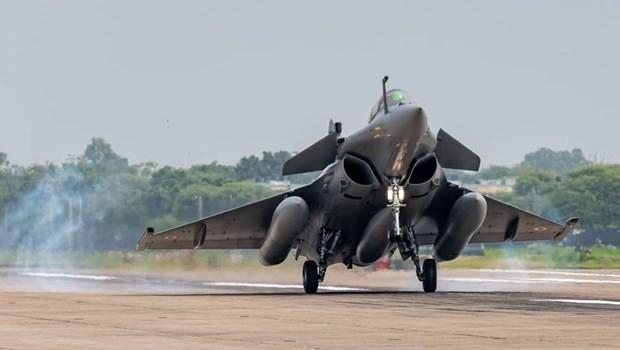 Trung Quốc, Ấn Độ điều động máy bay chiến đấu tối tân tới biên giới ảnh 1