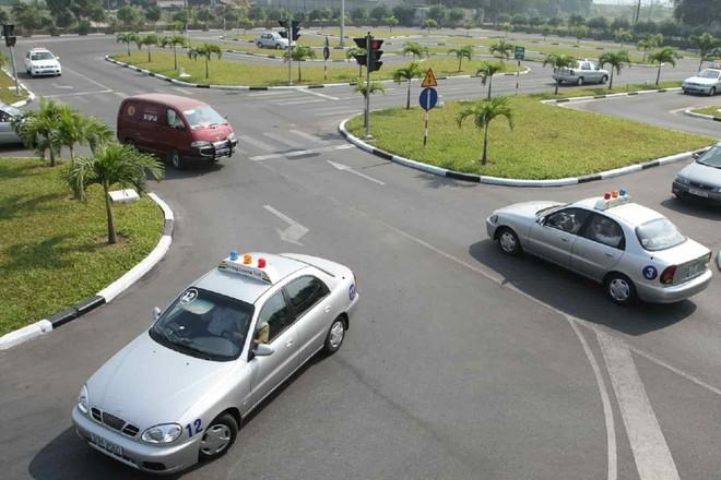 Nâng cao hiệu lực, hiệu quả, thống nhất, hiện đại trong quản lý, sát hạch và cấp Giấy phép lái xe ảnh 2