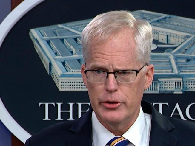 Quyền Bộ trưởng Quốc phòng Mỹ lên án hành động bắt nạt của Trung Quốc ở Biển Đông ảnh 1