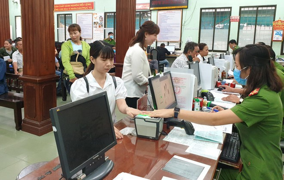 Thông tư: Quy định quy trình thu thập vân tay của người đề nghị cấp hộ chiếu có gắn chíp điện tử và người đăng ký xuất cảnh, nhập cảnh bằng cổng kiểm soát tự động ảnh 1
