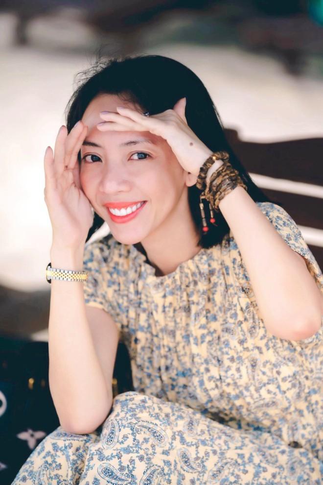 """""""Hoa hậu làng hài"""" Thu Trang: """"Không bao giờ lục ví chồng, vì biết có lục cũng chẳng thấy tiền"""" ảnh 1"""