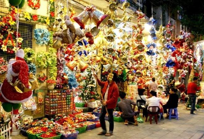 Các địa điểm đón Giáng sinh và năm mới 2021 tại Hà Nội ảnh 3