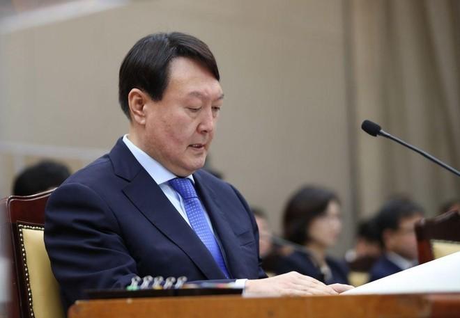 Tổng công tố Hàn Quốc 2 lần được phục chức ảnh 1
