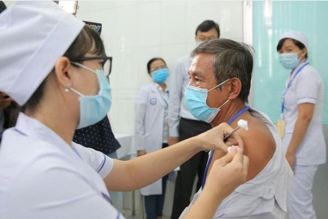 Chủ động nguồn cung vaccine để đẩy nhanh tốc độ dập dịch Covid-19 ảnh 1