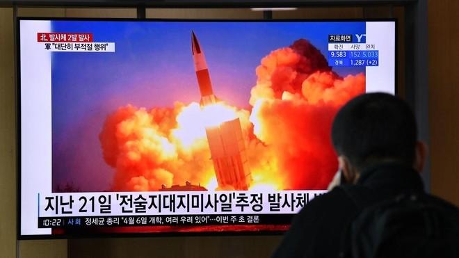 """""""Đòn nắn gân"""" trong quan hệ Mỹ - Triều Tiên ảnh 1"""