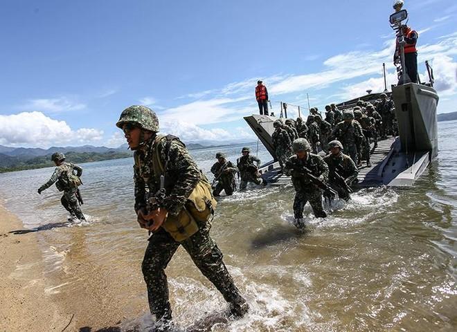 Mỹ và Philippines đối phó với tham vọng chủ quyền phi pháp của Trung Quốc ở Biển Đông ảnh 1