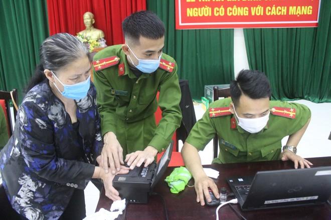 """Đại tá Nguyễn Hồng Ky - Phó Giám đốc CATP Hà Nội: """"Chúng tôi tự hào về những người lính của mình"""" ảnh 2"""