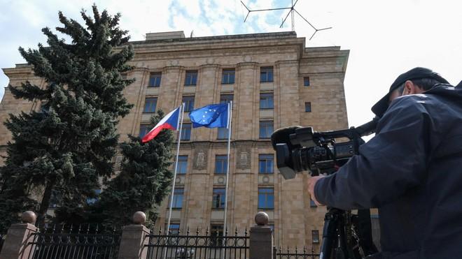 Nga - Czech - Ukraine: Căng thẳng leo thang trên mặt trận ngoại giao ảnh 1