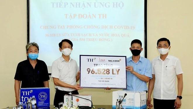 Tập đoàn TH tặng Hà Nam, Vĩnh Phúc hơn 145.000 sản phẩm đồ uống tốt cho sức khỏe, chung tay chống COVID-19 ảnh 1