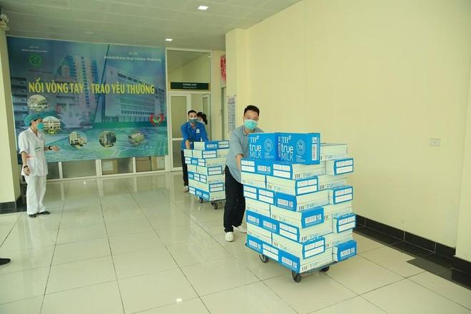 Tập đoàn TH tặng Hà Nam, Vĩnh Phúc hơn 145.000 sản phẩm đồ uống tốt cho sức khỏe, chung tay chống COVID-19 ảnh 2