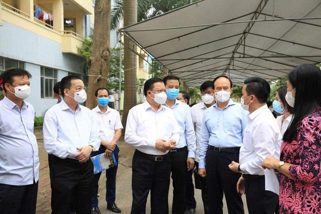 Hà Nội: Chống dịch Covid-19 với quyết tâm cao nhất để bảo vệ sức khỏe nhân dân ảnh 1