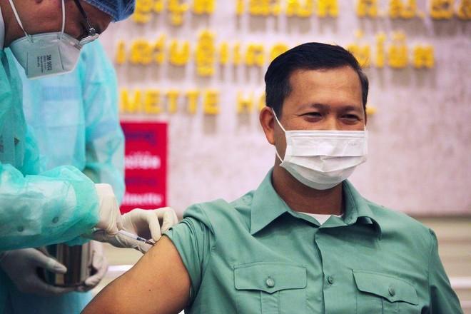 Số ca mắc Covid-19 tại Lào, Campuchia có chiều hướng giảm ảnh 1