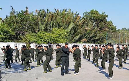 Huấn luyện viên võ thuật trong Công an nhân dân có được hưởng chế độ đặc thù không? ảnh 1