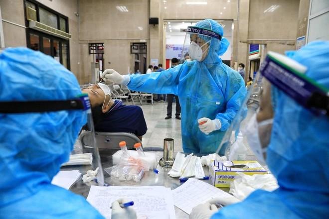 Bộ Y tế: Không để hệ thống y tế quá tải, hạn chế tối đa tỷ lệ tử vong ảnh 2