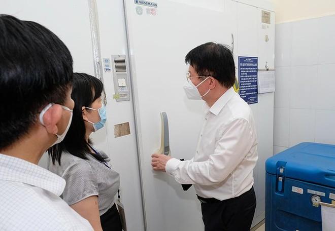 Hà Nội tổ chức chiến dịch tiêm vaccine Covid-19 lớn nhất trong lịch sử như thế nào? ảnh 1
