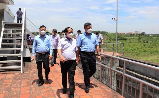 Bảo đảm an toàn vận hành xả lũ thủy điện Hòa Bình và kiểm tra an toàn đê điều tại Hà Nội ảnh 1